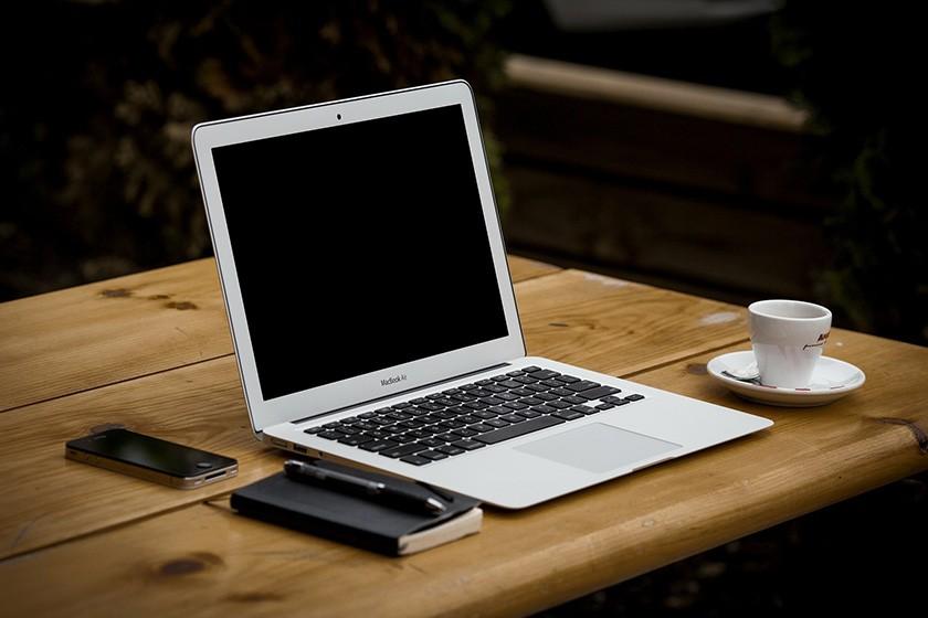 Schreibtisch-Aufräumtipps